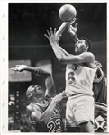 1989 Michael Jordan Tries to Block Hot Rod Williams w/ Horace Grant Press Photo