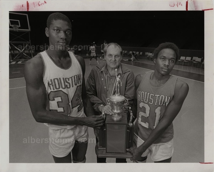 Akeem Hakeem Olajuwon Houston Cougars w/ Guy Lewis 1982 Original TYPE 1 Photo PSA/DNA LOA